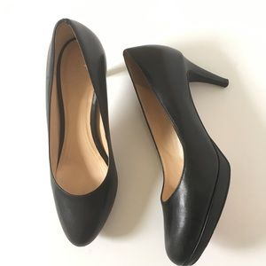 Cole Haan Chelsea Low Pump Size 6.5 Leather